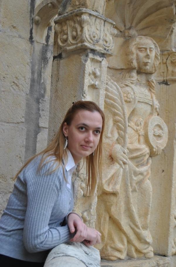 Каменная труба с боку дома фото египте